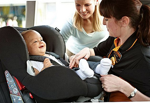 Gratis bilstolskontrol ved Halfords for Child Safety Week 2015